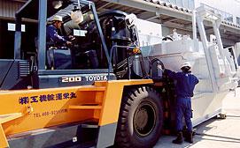 工場設備約100台を県外工場に5日間で移設