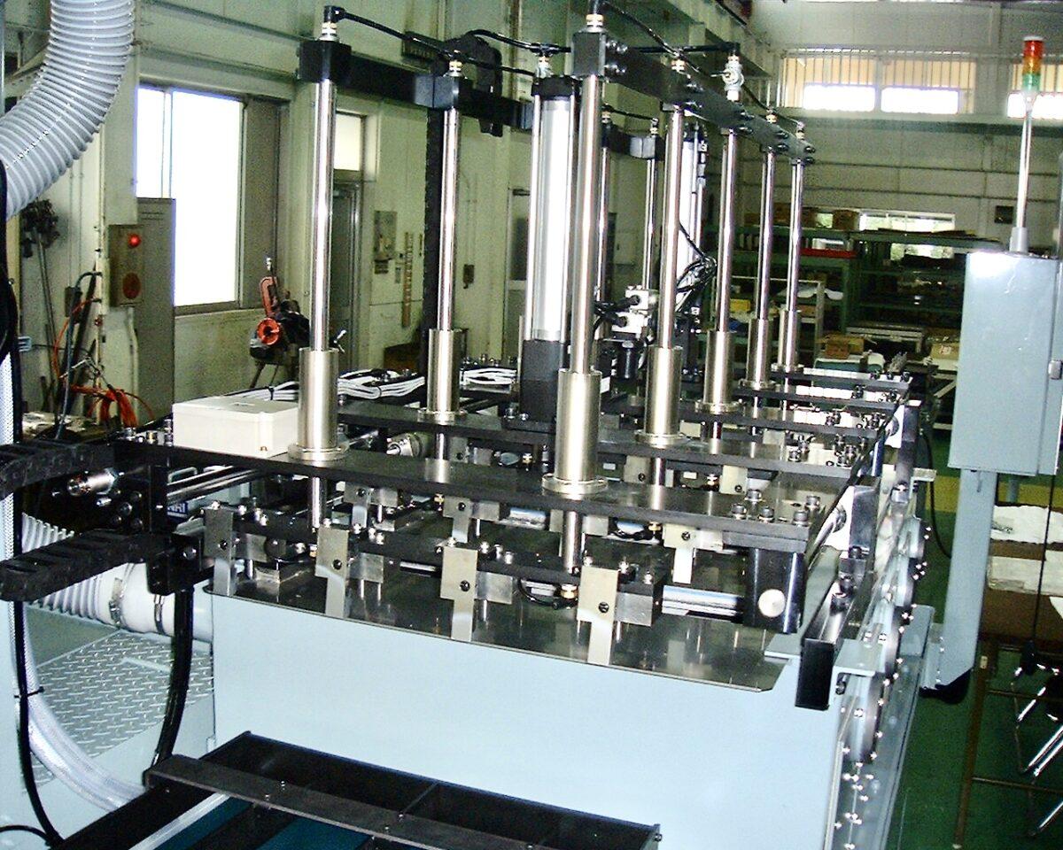 油圧部品加工ライン