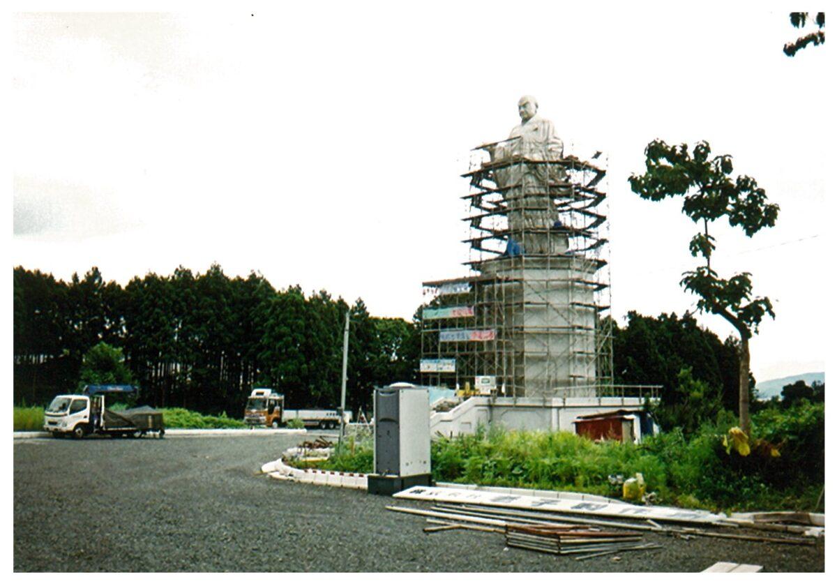 佐渡島銅像